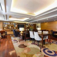 Lotte Hotel World гостиничный бар