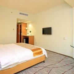 Отель Shanshui Trends North Huaqiang Шэньчжэнь сейф в номере