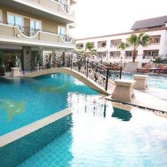 Отель LK Royal Suite Pattaya бассейн