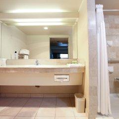 Отель Atrium Inn Vancouver Канада, Ванкувер - отзывы, цены и фото номеров - забронировать отель Atrium Inn Vancouver онлайн ванная