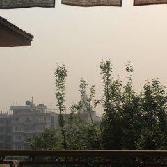Отель Hamro Homestay Непал, Катманду - отзывы, цены и фото номеров - забронировать отель Hamro Homestay онлайн балкон