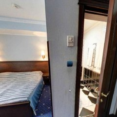 Гостиница Дельфин сейф в номере