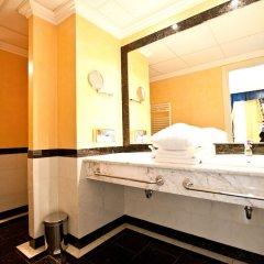 Гостиница River Palace Казахстан, Атырау - отзывы, цены и фото номеров - забронировать гостиницу River Palace онлайн ванная