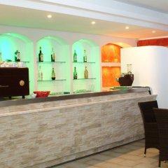 Hotel Residence La Baia Кастельсардо гостиничный бар