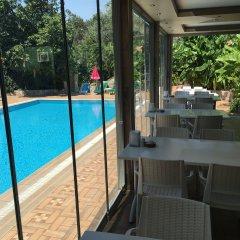 Green Peace Hotel Турция, Олудениз - 1 отзыв об отеле, цены и фото номеров - забронировать отель Green Peace Hotel онлайн бассейн фото 2