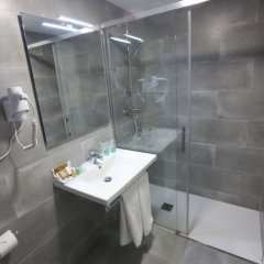 Отель Gran Hotel Don Juan Resort Испания, Льорет-де-Мар - отзывы, цены и фото номеров - забронировать отель Gran Hotel Don Juan Resort онлайн ванная