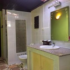 Отель Saladan Beach Resort ванная фото 2