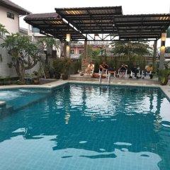 Отель Saranya River House бассейн