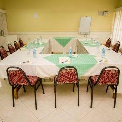 Отель Jumuia Guest House Nakuru Кения, Накуру - отзывы, цены и фото номеров - забронировать отель Jumuia Guest House Nakuru онлайн помещение для мероприятий