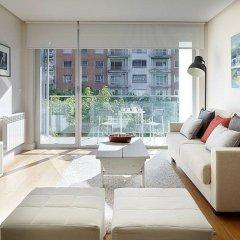 Отель Black & White 3 Apartment by Feelfree Rentals Испания, Сан-Себастьян - отзывы, цены и фото номеров - забронировать отель Black & White 3 Apartment by Feelfree Rentals онлайн комната для гостей фото 5