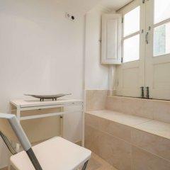 Апартаменты Lisbon Low Cost Apartments ванная
