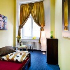 Отель Absynt Hostel Польша, Вроцлав - отзывы, цены и фото номеров - забронировать отель Absynt Hostel онлайн комната для гостей фото 4