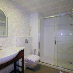 Paşa Garden Beach Hotel Турция, Мармарис - отзывы, цены и фото номеров - забронировать отель Paşa Garden Beach Hotel онлайн ванная