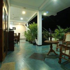 Отель Baywatch Шри-Ланка, Унаватуна - отзывы, цены и фото номеров - забронировать отель Baywatch онлайн интерьер отеля фото 3