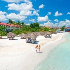 Отель Sandals Montego Bay - All Inclusive - Couples Only Ямайка, Монтего-Бей - отзывы, цены и фото номеров - забронировать отель Sandals Montego Bay - All Inclusive - Couples Only онлайн пляж