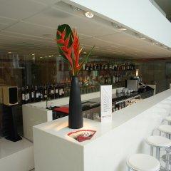 Отель Le Fenix Sukhumvit гостиничный бар