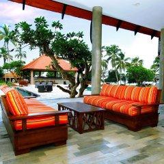Отель Hikka Tranz by Cinnamon Шри-Ланка, Хиккадува - 2 отзыва об отеле, цены и фото номеров - забронировать отель Hikka Tranz by Cinnamon онлайн бассейн фото 2
