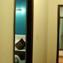 Отель The Solace сейф в номере