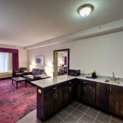 Holiday Inn Express Hotel & Suites Columbus - Polaris Parkway Колумбус в номере