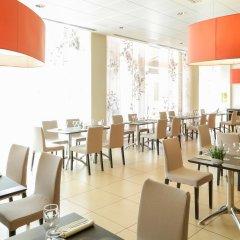 Отель Novotel Bologna Fiera Италия, Болонья - отзывы, цены и фото номеров - забронировать отель Novotel Bologna Fiera онлайн гостиничный бар