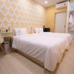 The Hab Hostel Бангкок сейф в номере