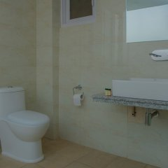 Отель OYO 235 Hotel Goodwill Непал, Лалитпур - отзывы, цены и фото номеров - забронировать отель OYO 235 Hotel Goodwill онлайн ванная фото 2