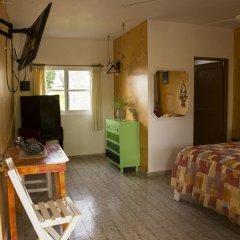 Отель Hostel Kiosco Verde Folk Room Мексика, Канкун - отзывы, цены и фото номеров - забронировать отель Hostel Kiosco Verde Folk Room онлайн комната для гостей фото 4