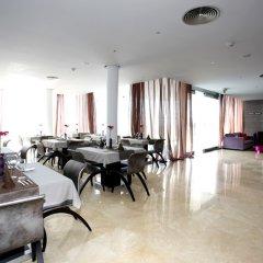 Отель Apartamentos Baia Brava Санта-Крус питание