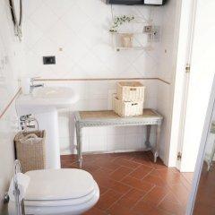 Отель We Tuscany - Zaffiro Bianco Италия, Сан-Джиминьяно - отзывы, цены и фото номеров - забронировать отель We Tuscany - Zaffiro Bianco онлайн ванная фото 2