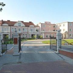 Hotel Arkadia Royal Варшава парковка