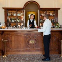 Отель Grand Hotel Rimini Италия, Римини - 4 отзыва об отеле, цены и фото номеров - забронировать отель Grand Hotel Rimini онлайн гостиничный бар