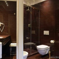Отель Ai Reali di Venezia Италия, Венеция - 1 отзыв об отеле, цены и фото номеров - забронировать отель Ai Reali di Venezia онлайн ванная