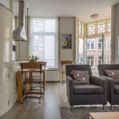 Апартаменты Amsterdam Center Romance Apartment комната для гостей фото 5