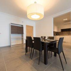 Отель Seafront Luxury Apartment With Pool Мальта, Слима - отзывы, цены и фото номеров - забронировать отель Seafront Luxury Apartment With Pool онлайн комната для гостей фото 5