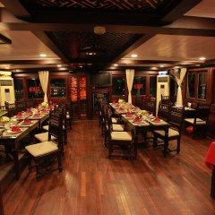 Отель Halong Majestic Legend Cruise питание