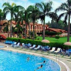 Отель Ashok Country Resort бассейн фото 2