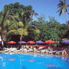Hotel Dona Terezinha бассейн