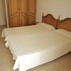 Отель Apartamentos Villa de Madrid Испания, Бланес - отзывы, цены и фото номеров - забронировать отель Apartamentos Villa de Madrid онлайн комната для гостей фото 2
