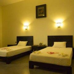 Tamarind Lake Hotel. сейф в номере