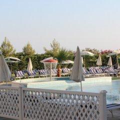 Отель Bleart бассейн