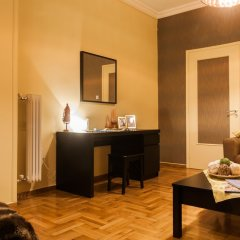 Апартаменты Spacious Safe Apartment Walk Acropolis комната для гостей фото 4
