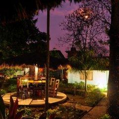 Отель Chitwan Forest Resort Непал, Саураха - отзывы, цены и фото номеров - забронировать отель Chitwan Forest Resort онлайн питание фото 3