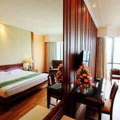The Empress Hotel Chiang Mai комната для гостей
