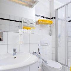 Отель Artis Suite Hotel Германия, Дрезден - отзывы, цены и фото номеров - забронировать отель Artis Suite Hotel онлайн ванная