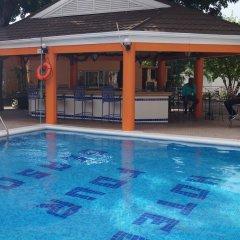 Four Seasons Hotel бассейн фото 2