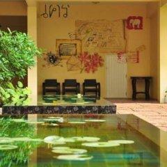 Отель Feung Nakorn Balcony Rooms & Cafe Бангкок фото 3