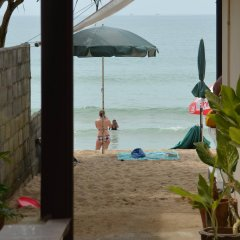 Отель Pink House Bungalow Ланта пляж