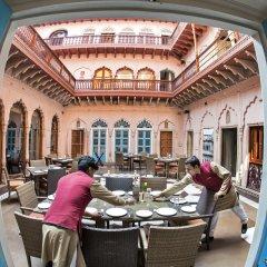 Отель WelcomHeritage Haveli Dharampura питание