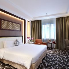 Отель Corus Hotel Kuala Lumpur Малайзия, Куала-Лумпур - 1 отзыв об отеле, цены и фото номеров - забронировать отель Corus Hotel Kuala Lumpur онлайн комната для гостей фото 2