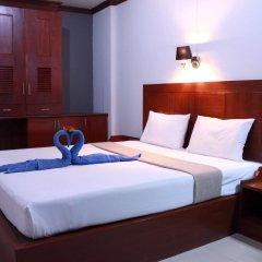Отель The Little Mermaid Guesthouse And Restaurant пляж Ката комната для гостей